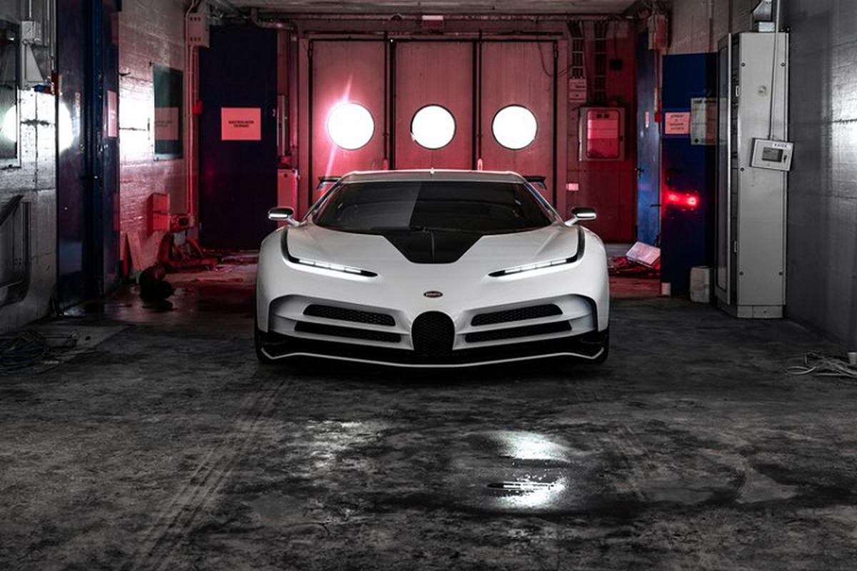 Bugatti Centodieci hon 215 ty dong sap ban giao cho Ronaldo-Hinh-7