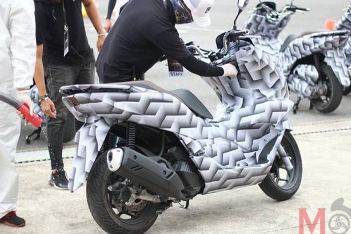 Honda PCX 160 va PCX e-HEV ra mat Thai Lan, sap ve Viet Nam?-Hinh-2