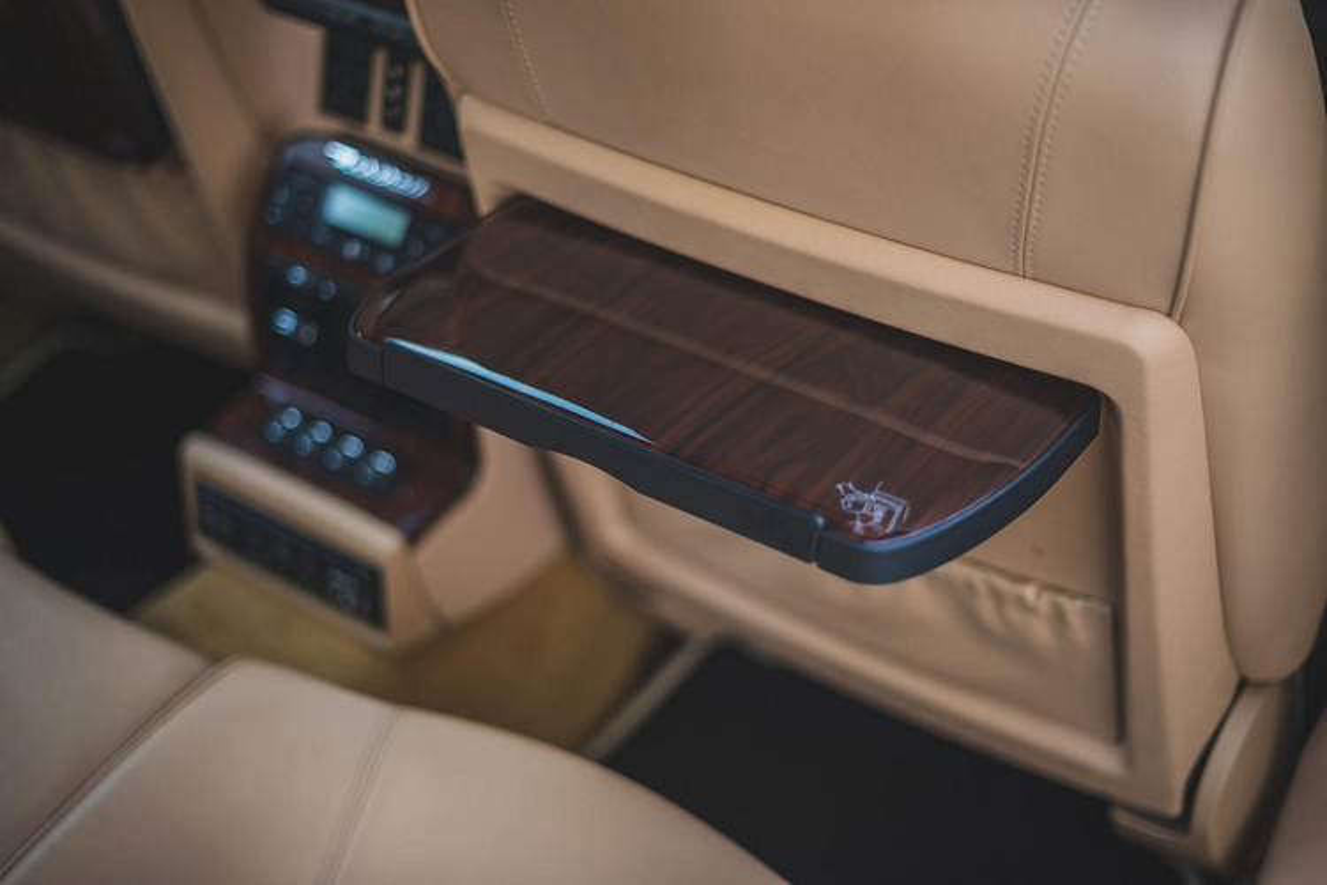 Ngam Maserati Quattroporte cua huyen thoai nhac Rock Elton John-Hinh-10