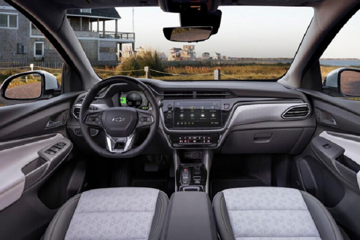 Chevrolet Bolt 2022 tu 31.995 USD, Tesla Model de chung-Hinh-3