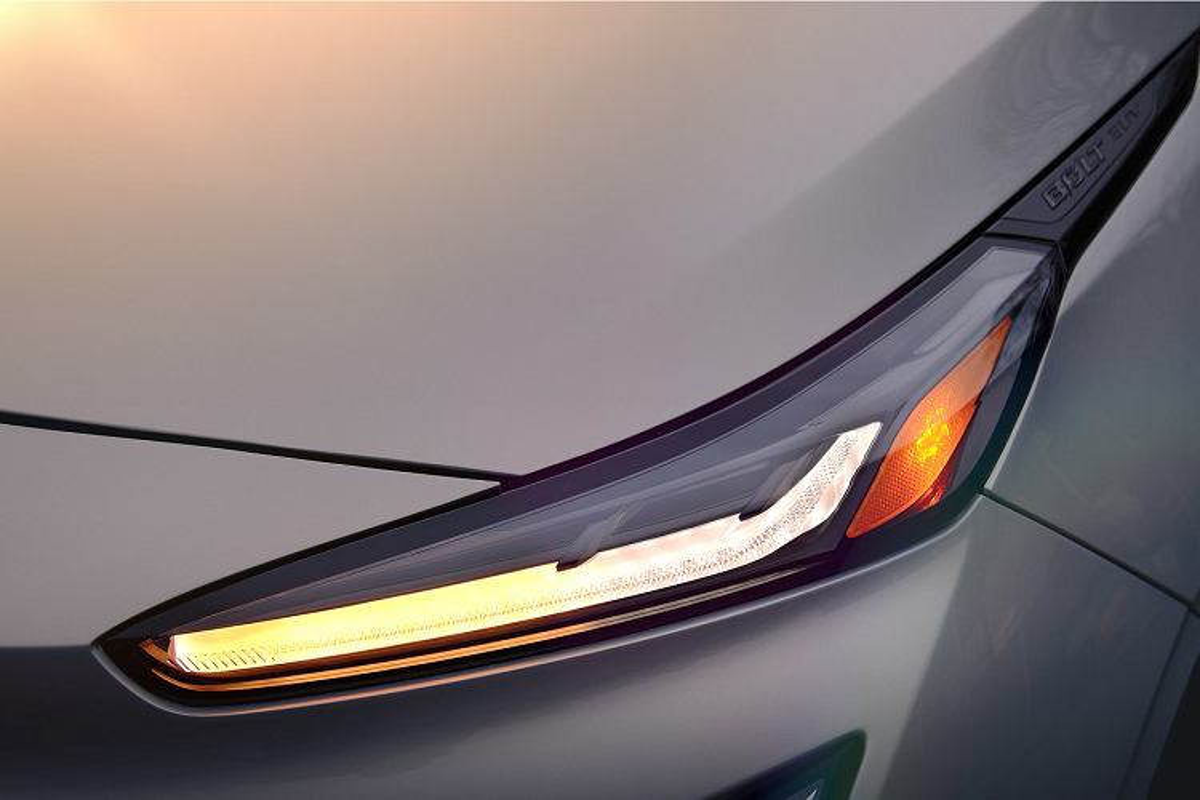Chevrolet Bolt 2022 tu 31.995 USD, Tesla Model de chung-Hinh-5