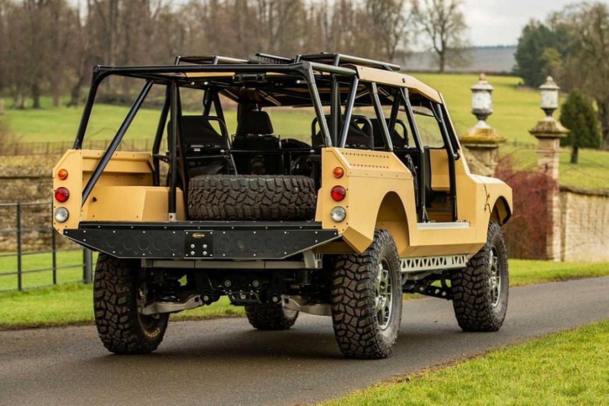 Xe quan su Bowler CSP RIV vam vo, dua tren khung gam Land Rover-Hinh-8
