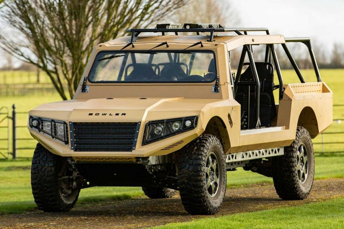 Xe quan su Bowler CSP RIV vam vo, dua tren khung gam Land Rover
