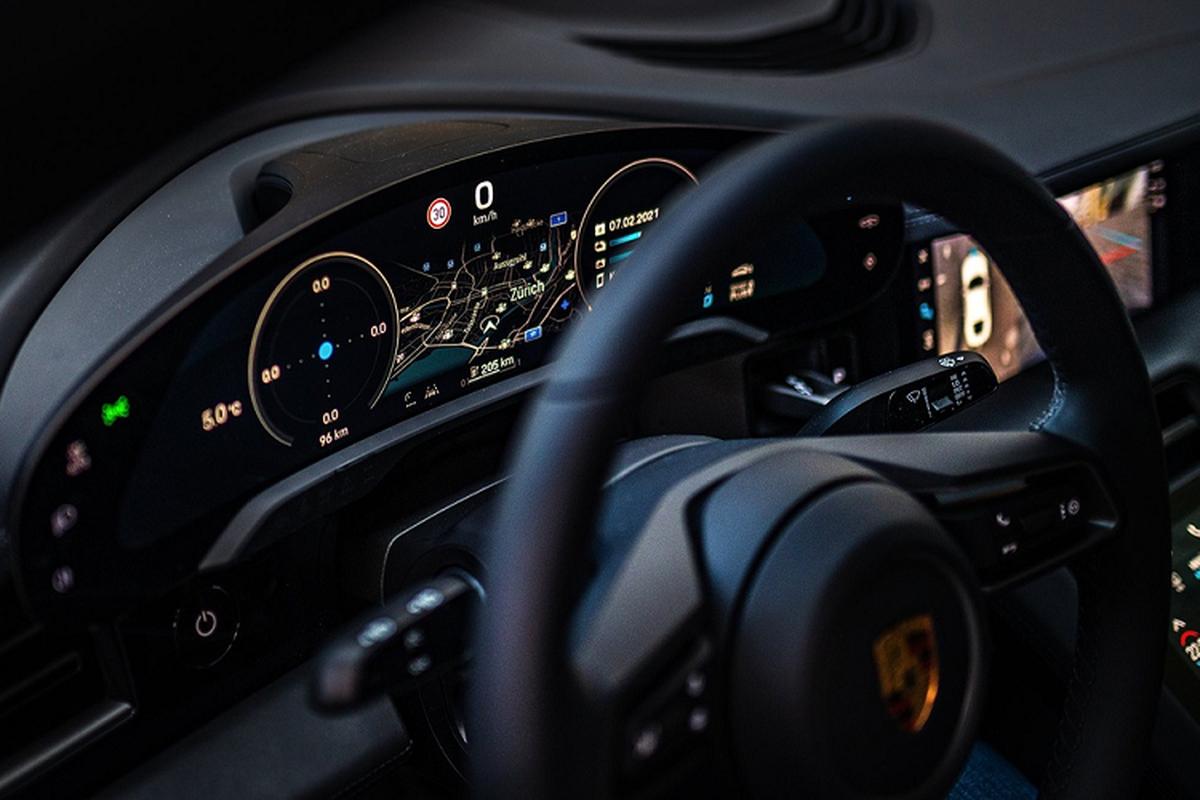 Sieu xe Porsche Taycan chay dien