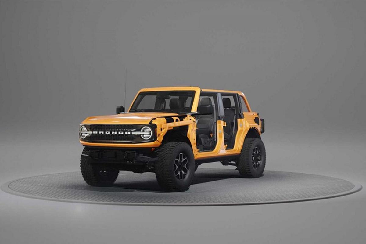 Xem kỹ sư Ford tháo rời từng phần ngoại thất của Bronco 2021