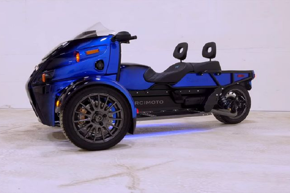 "Arcimoto Roadster - ""quai vat ba banh"" chay dien 551 trieu dong"