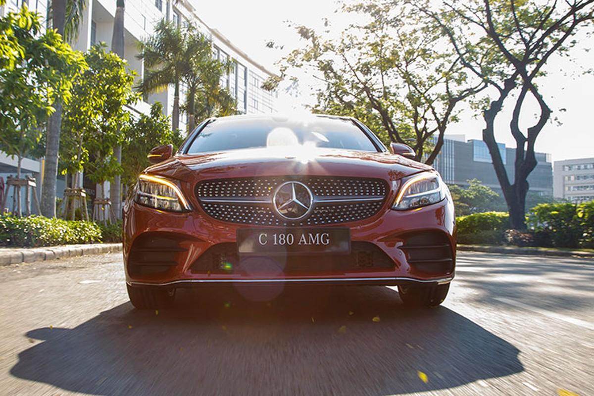 Chi tiet Mercedes-Benz C108 AMG 2021 duoi 1,5 ty tai Viet Nam-Hinh-3