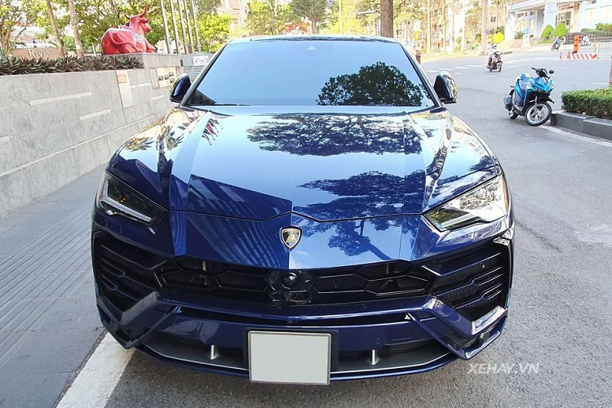 Sieu SUV Lamborghini Urus hon 20 ty mau son hiem tai Viet Nam-Hinh-2