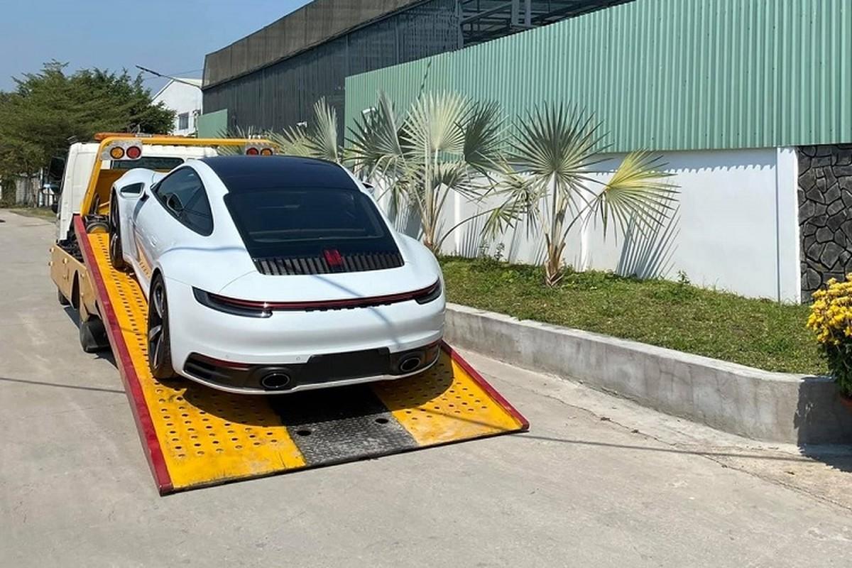 Dai gia Lan dot bien Hoc Mon tang vo Porsche 911 hon 8 ty-Hinh-7