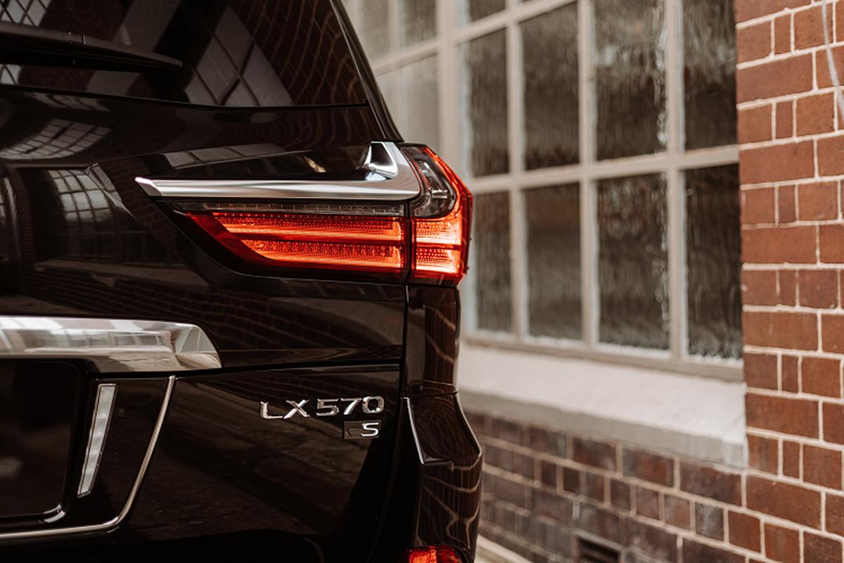 Chi tiet SUV hang sang Lexus LX 570 S 2021 tu 2,7 ty dong-Hinh-2