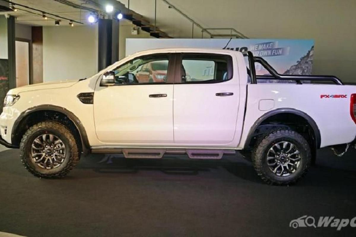 "Ford Ranger FX4 Max 2021 - Raptor ""binh dan"" chi 894 trieu dong-Hinh-3"