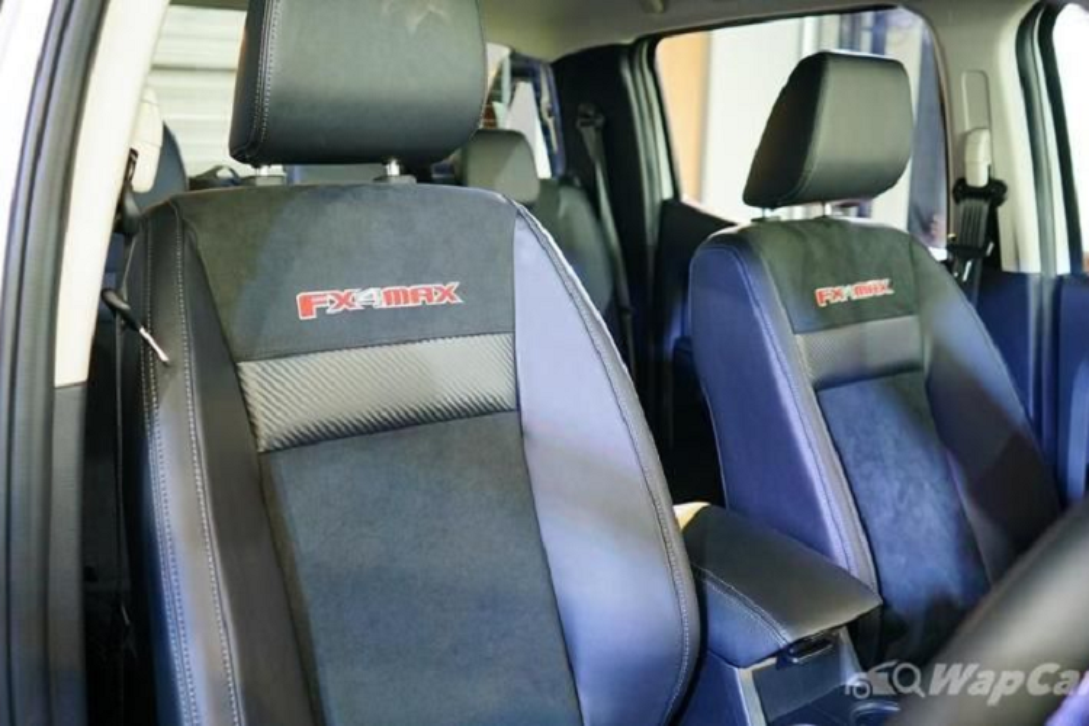 "Ford Ranger FX4 Max 2021 - Raptor ""binh dan"" chi 894 trieu dong-Hinh-6"