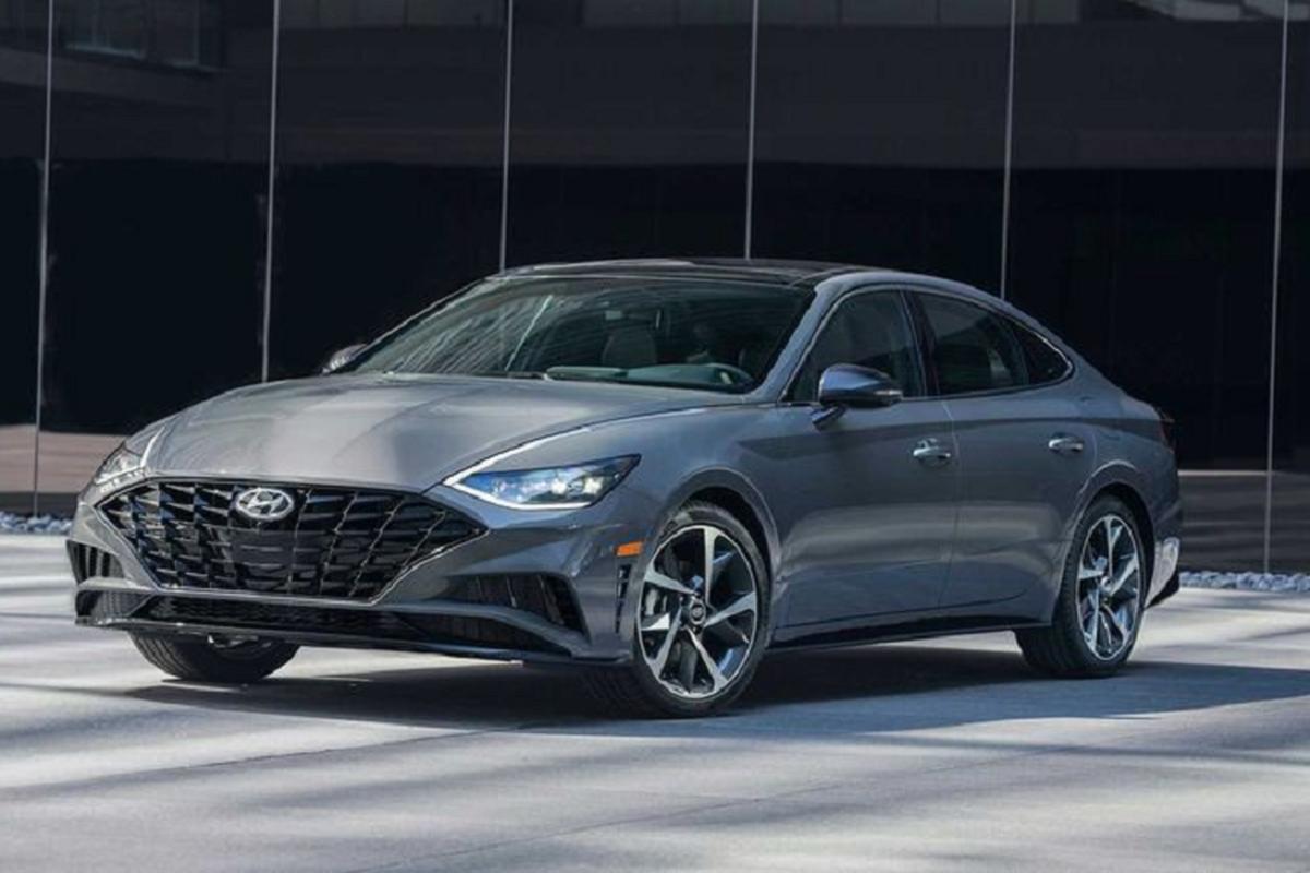 Ly do Hyundai Sonata bi Kia Optima/K5 vuot mat doanh so nam 2020