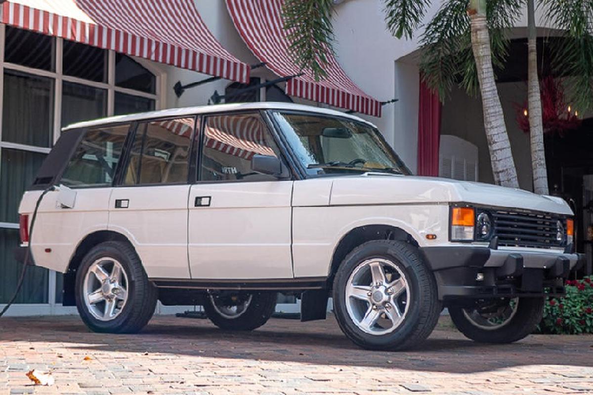 Mat 2.200 gio do mo to dien Tesla cho Range Rover co dien