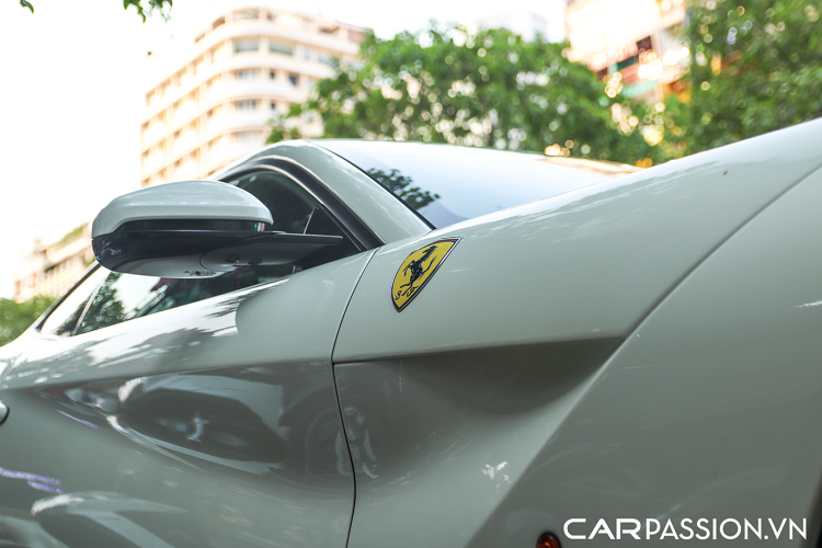 Ferrari F12 Berlinetta hon 20 ty mau doc lan banh tai Sai Gon-Hinh-8