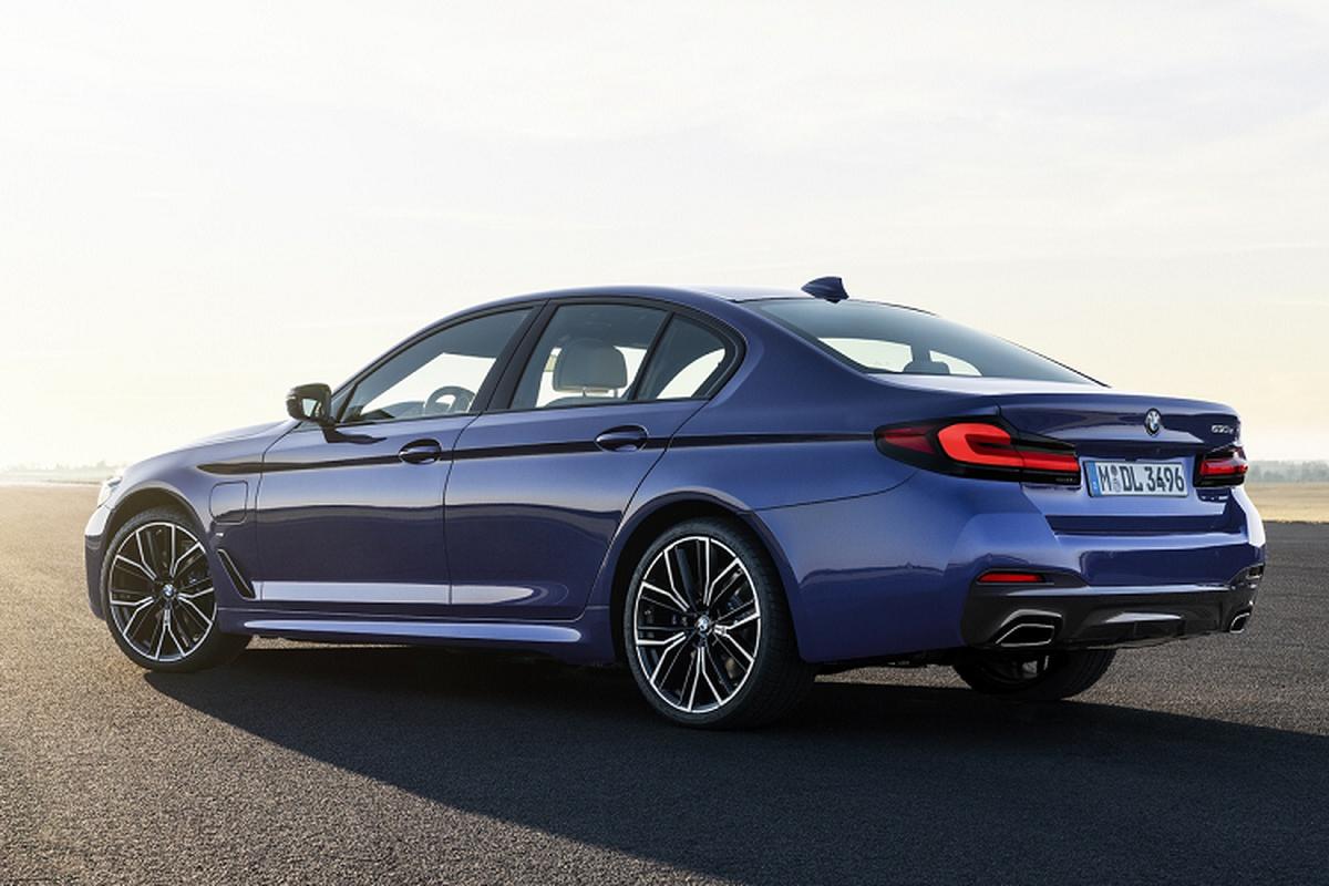 BMW 5-Series 2021 tu 1,88 ty dong tai Malaysia, sap ve Viet Nam-Hinh-3