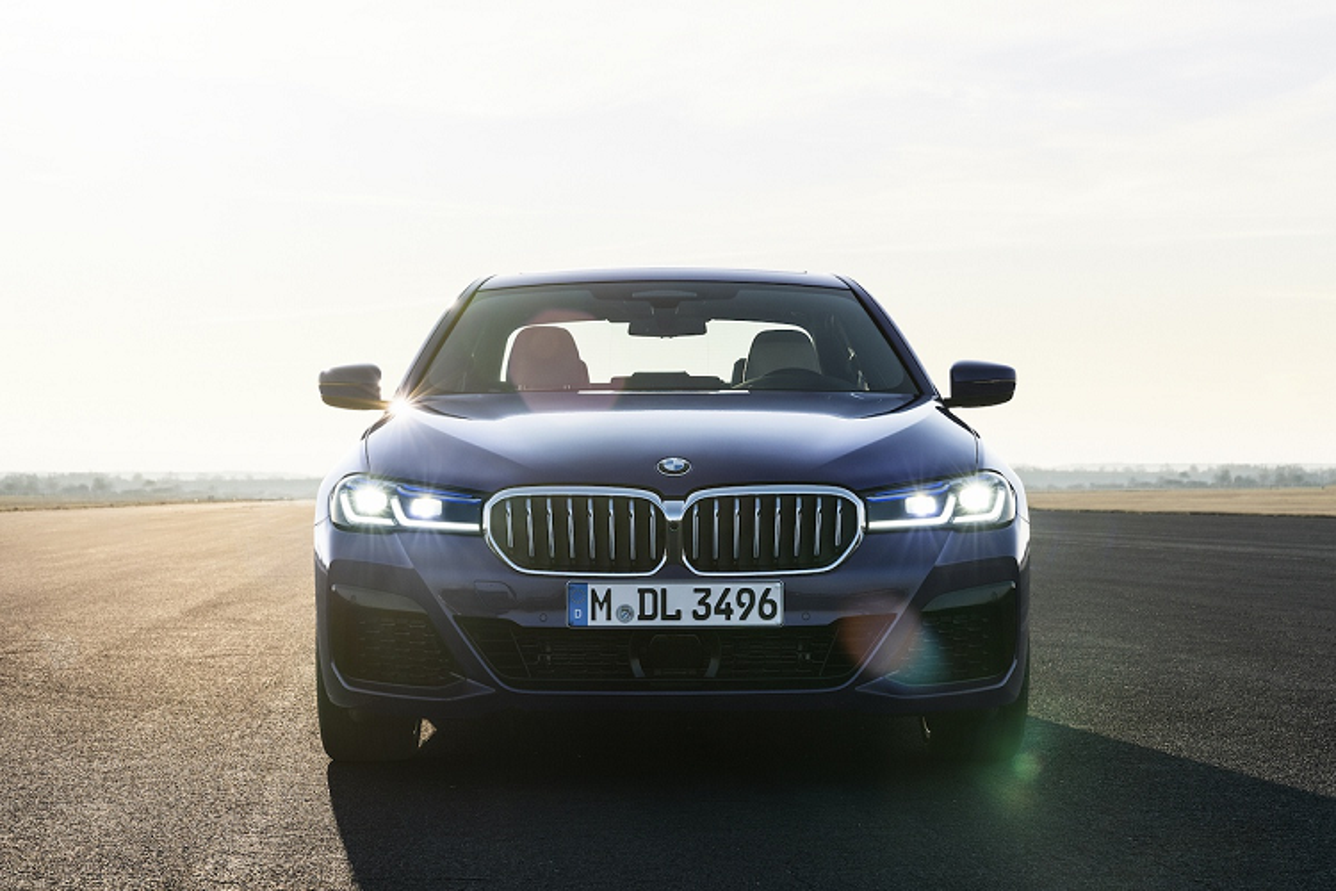 BMW 5-Series 2021 tu 1,88 ty dong tai Malaysia, sap ve Viet Nam-Hinh-5
