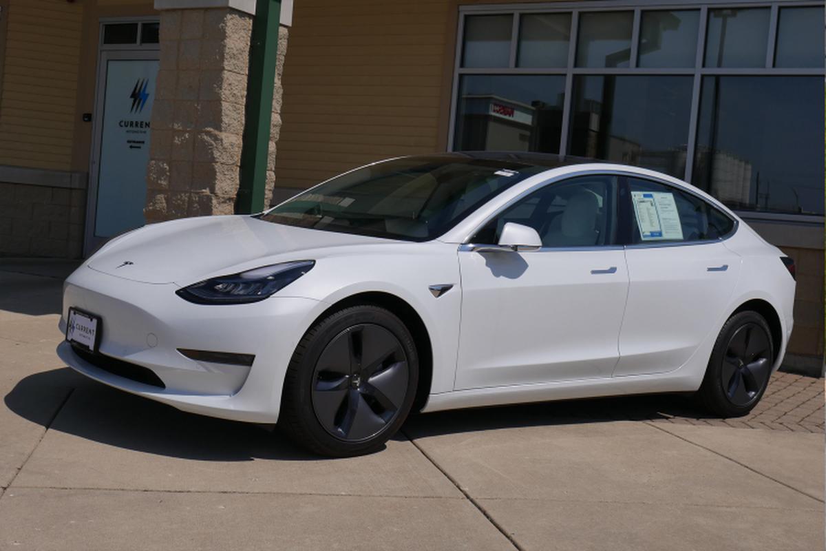 Xe Tesla Model 3 tien ty ve Viet Nam phuc vu sinh vien hoc tap-Hinh-3