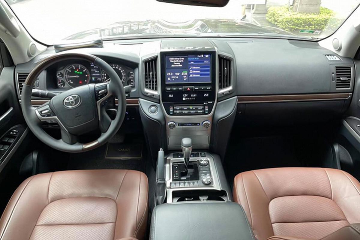 Co nen mua Toyota Land Cruiser VXS 2018 hon 6 ty tai Viet Nam?-Hinh-3