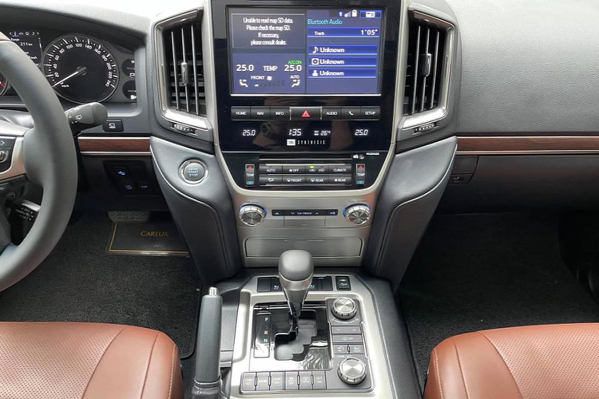 Co nen mua Toyota Land Cruiser VXS 2018 hon 6 ty tai Viet Nam?-Hinh-7