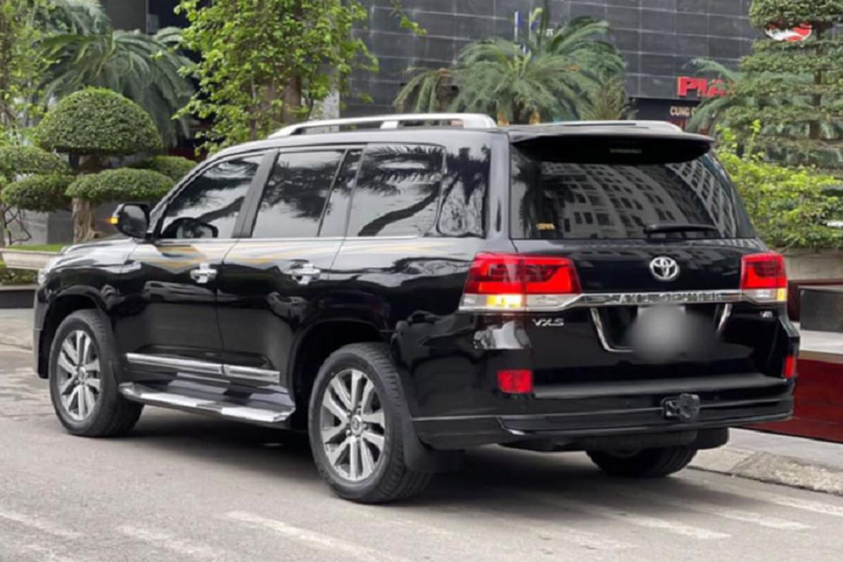Co nen mua Toyota Land Cruiser VXS 2018 hon 6 ty tai Viet Nam?-Hinh-9