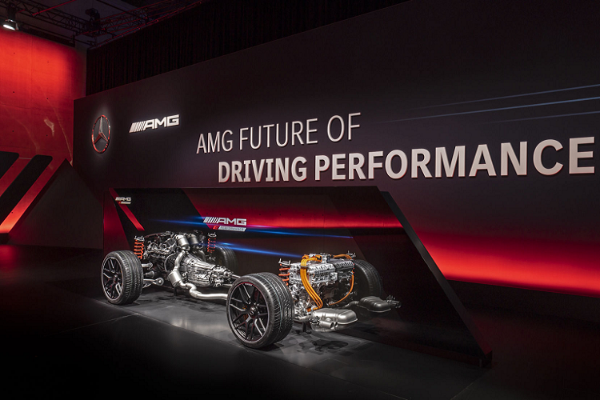 Mercedes-AMG E Performance moi, tuong lai dien hoa cua AMG-Hinh-3