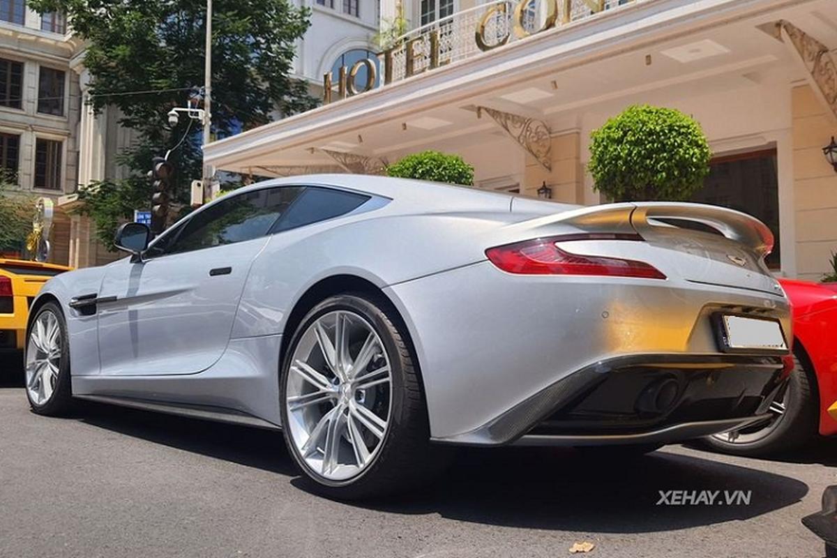 Aston Martin Vanquish phong cach DB5 cua diep vien 007 o Sai Gon-Hinh-4