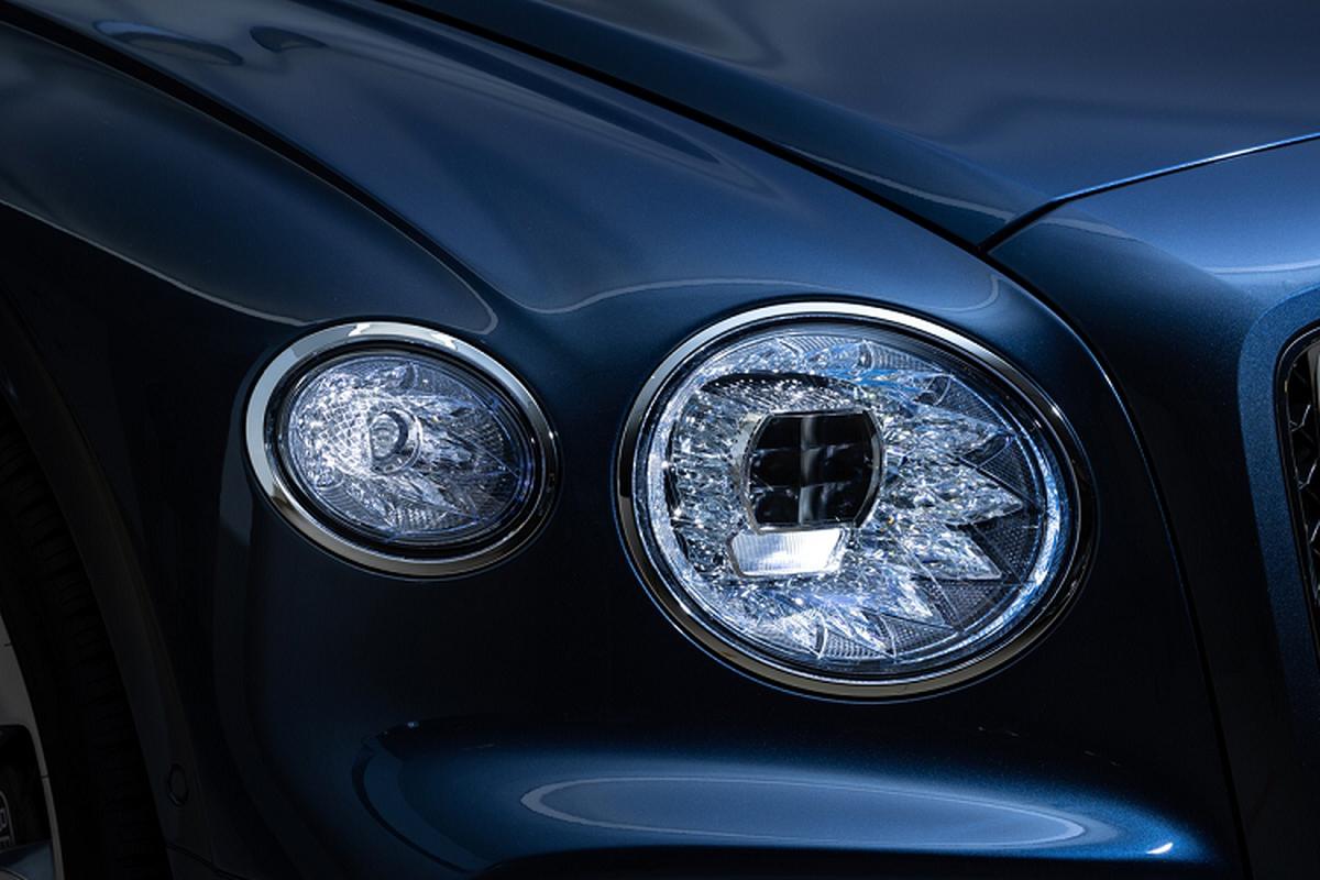 Bentley Flying Spur V8 tu 4,68 ty dong tai Malaysia, sap ve VN-Hinh-9