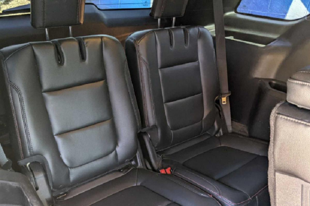 Ford Explorer do limousine sieu sang, chao ban hon 1,37 ty dong-Hinh-4