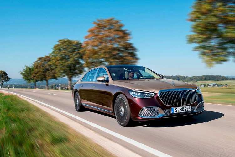 Will the new Mercedes-Maybach continue to use the V12 engine? -Hinh-2