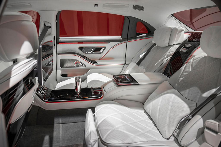 Will the new Mercedes-Maybach continue to use the V12 engine? -Hinh-3