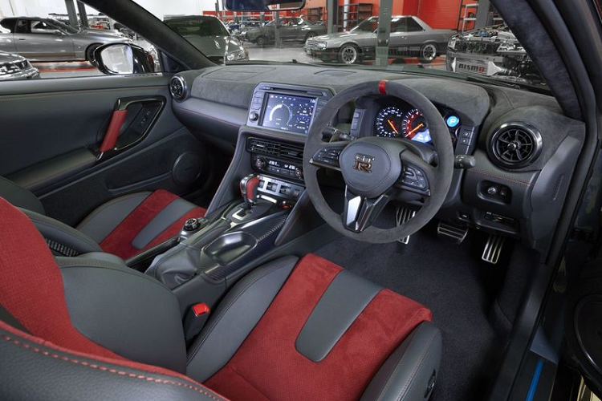 Nissan GT-R Nismo 2022 lo dien, ra mat vao thang 10/2021-Hinh-5