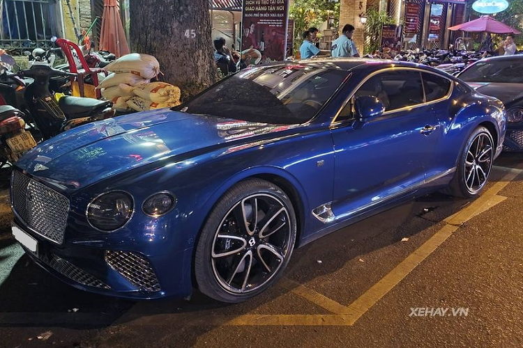 Ngam Bentley Continental GT First Edition, hon 25 ty tai Sai Gon