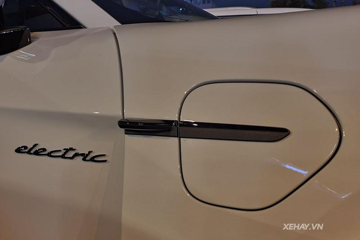 Porsche Taycan Turbo S is 10 years old, 412 km / lan in Sai Gon-Hinh-6