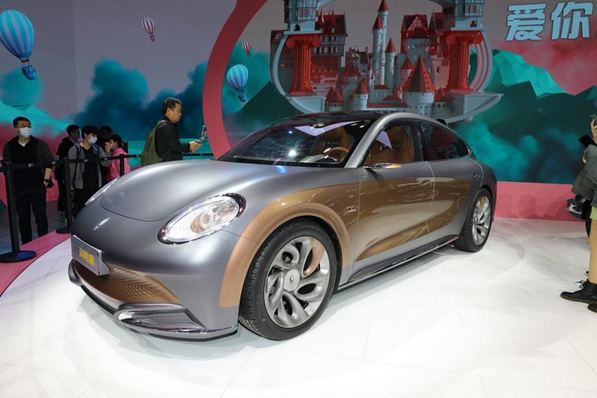 """Ora Lightning Cat - xe dien Trung Quoc gia re """"nhai"""" Porsche"""