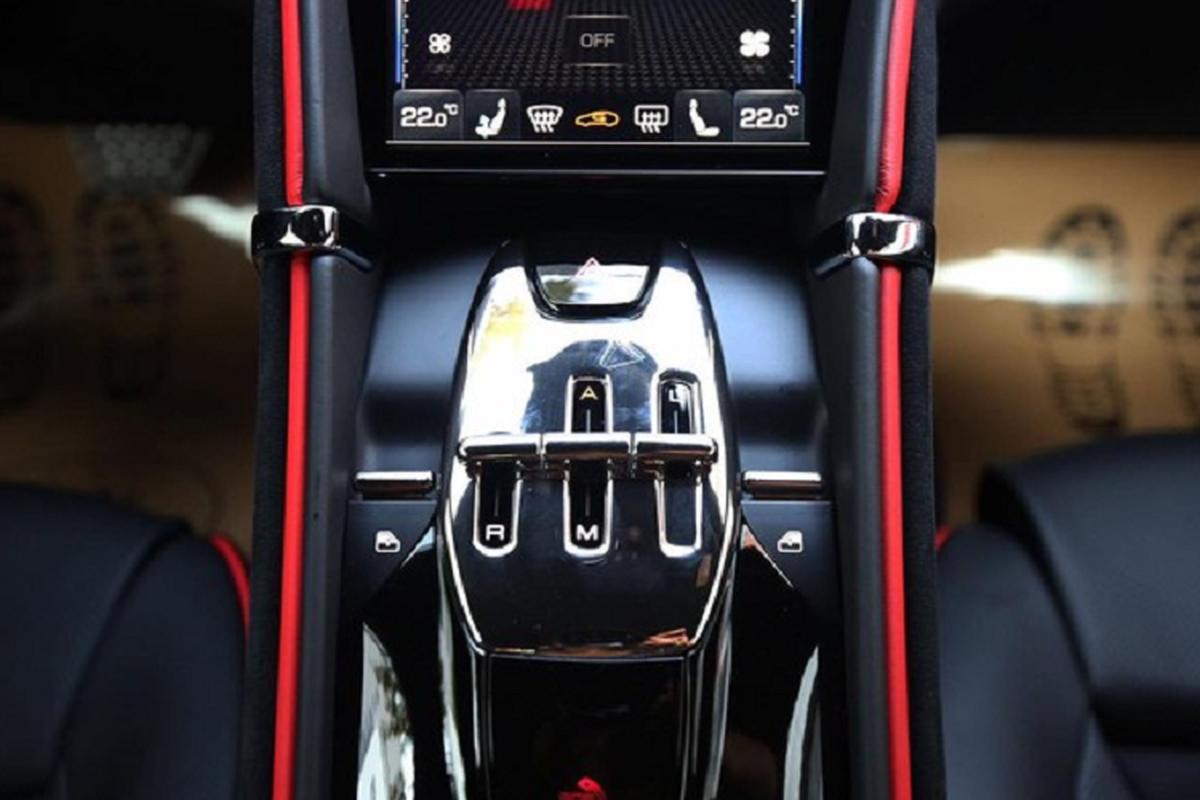 Can canh sieu xe Ferrari Roma hon 20 ty do ruc tai Ha thanh-Hinh-6