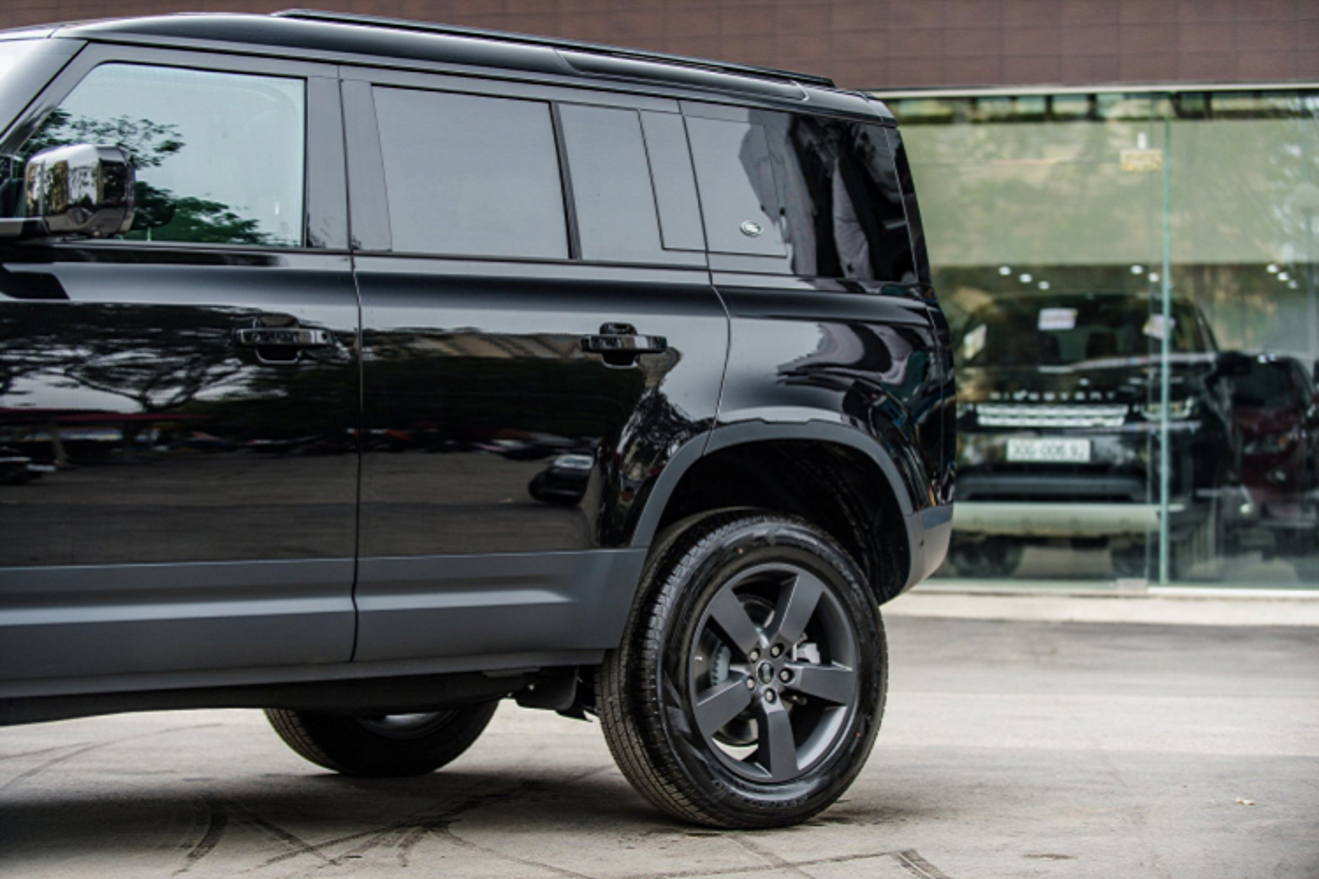 Land Rover Defender the he moi dat giai Thiet ke xe hoi cua nam 2021-Hinh-4