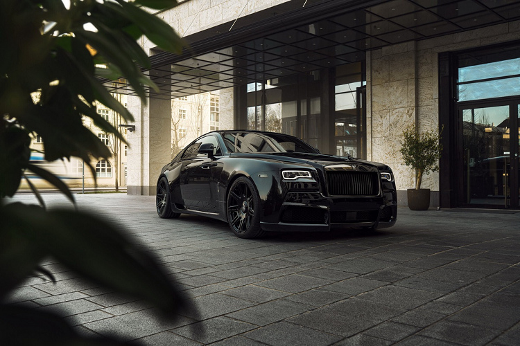 Look for super luxury cars to Rolls-Royce Wraith Black Badge with 707 magma-Hinh-2