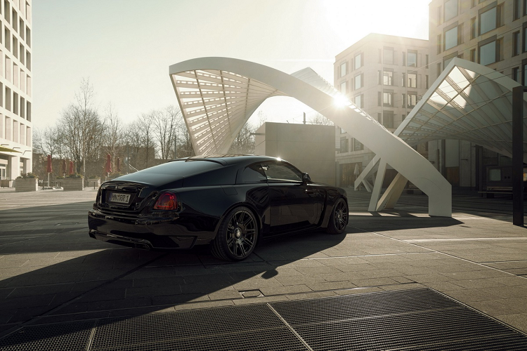 Look at the super luxury Rolls-Royce Wraith Black Badge with 707 magma-Hinh-3