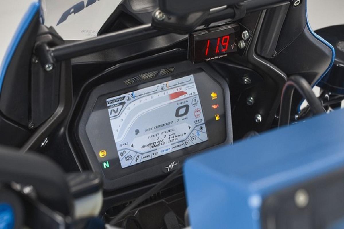 Ngam sieu moto MV Agusta Turismo Veloce cua canh sat Milan-Hinh-8