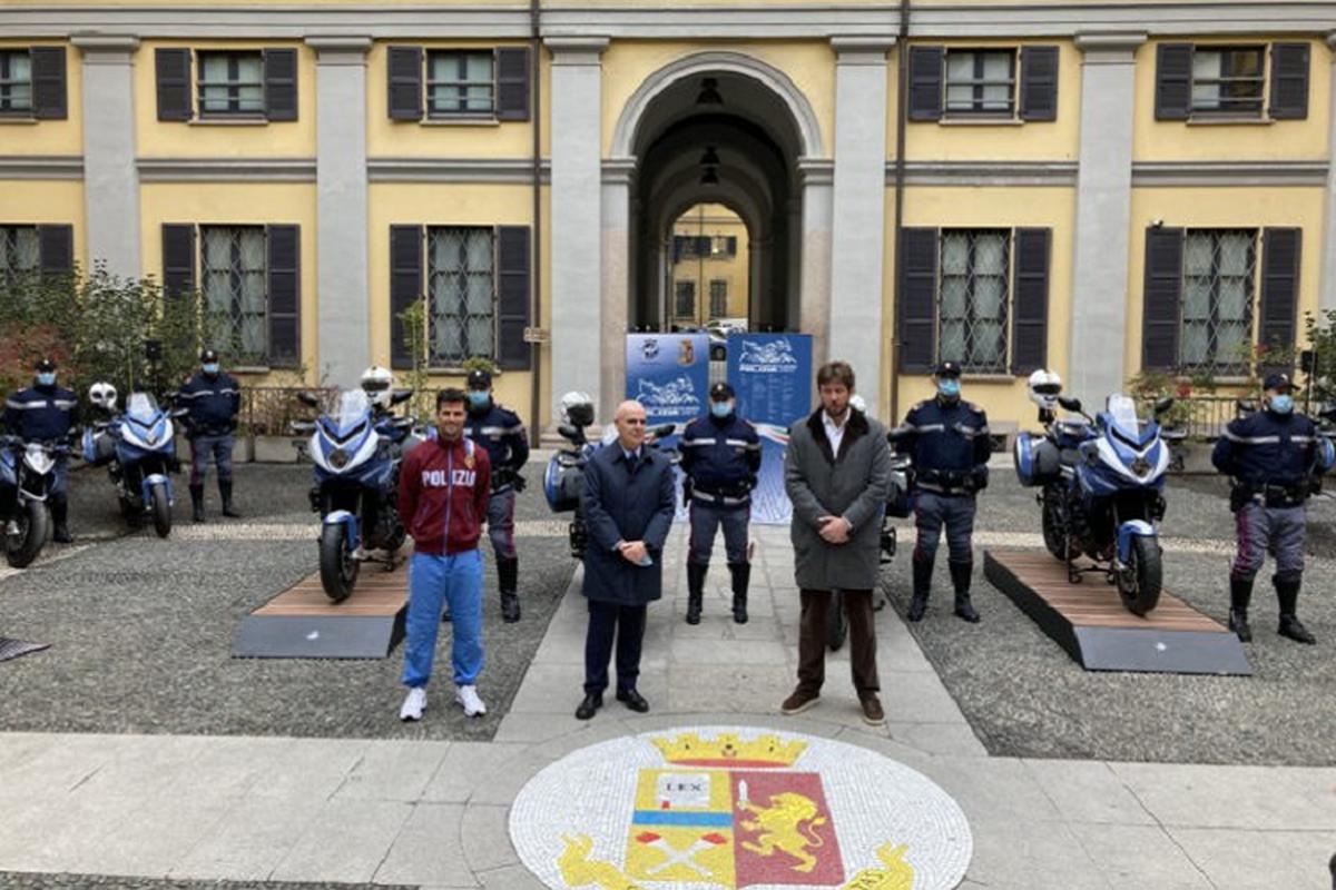 Ngam sieu moto MV Agusta Turismo Veloce cua canh sat Milan