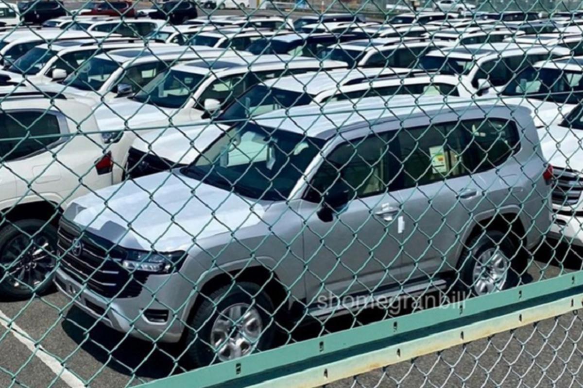 Toyota Land Cruiser 2022 van dung nut bam, bo xu huong cam ung-Hinh-6