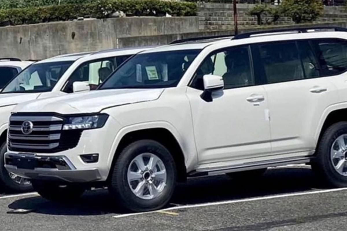 Dai ly Toyota tai Viet Nam da nhan dat coc Land Cruiser 2022?-Hinh-5
