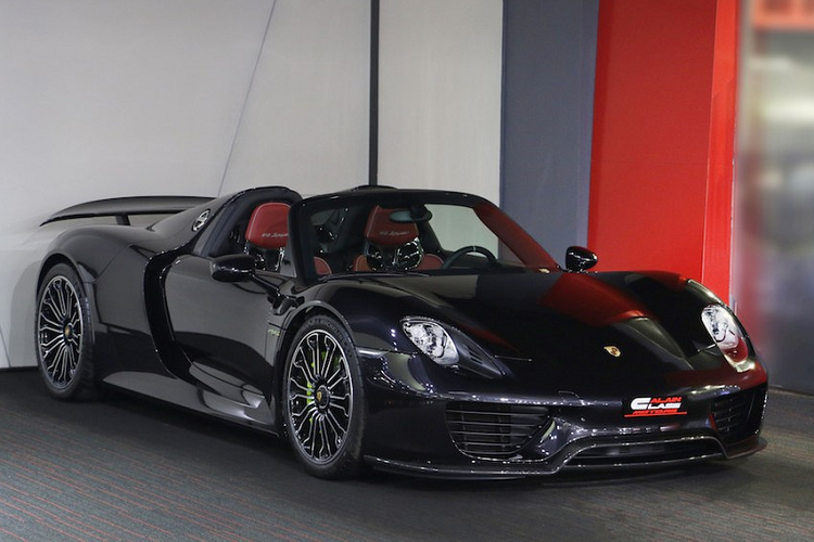 The new Porsche 918 Spyder supercar million was over due to the arrival of Vietnam-Hinh-3