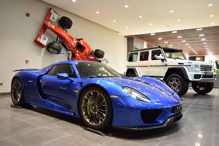 The new Porsche 918 Spyder supercar million was over due to the arrival of Vietnam-Hinh-10