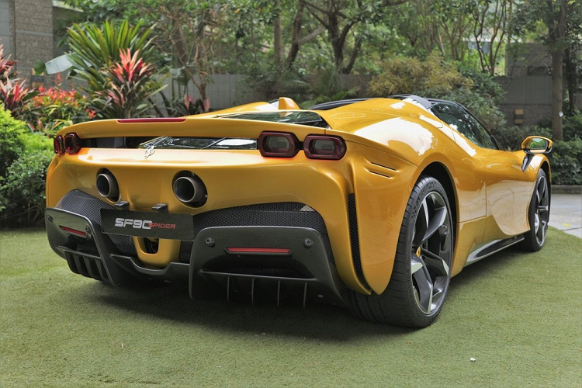 "Ferrari SF90 Spider hon 26 ty o Hong Kong, dai gia Viet ""phat them""-Hinh-2"