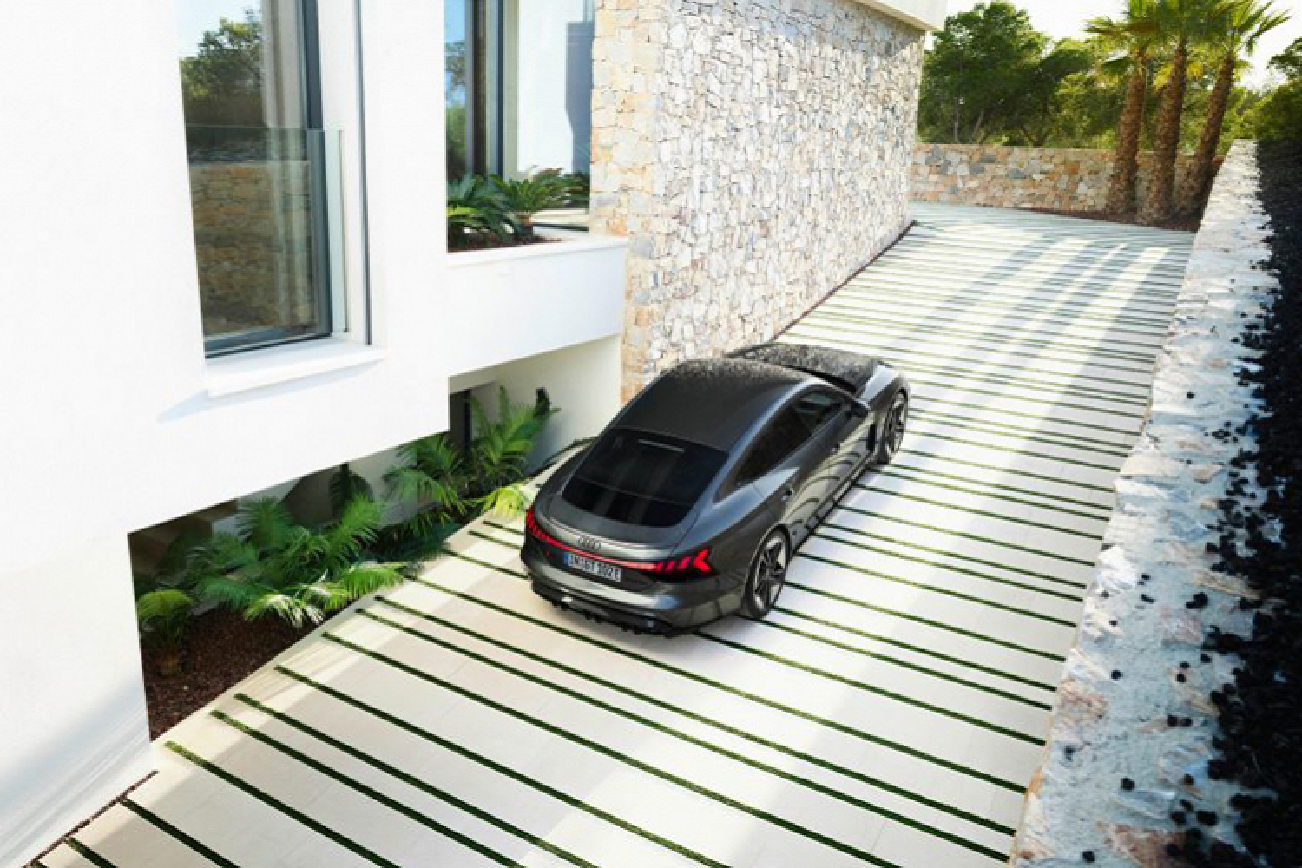 Audi e-tron GT 2022 chay dien len ke tai Chau Au, tu 2,7 ty dong-Hinh-4