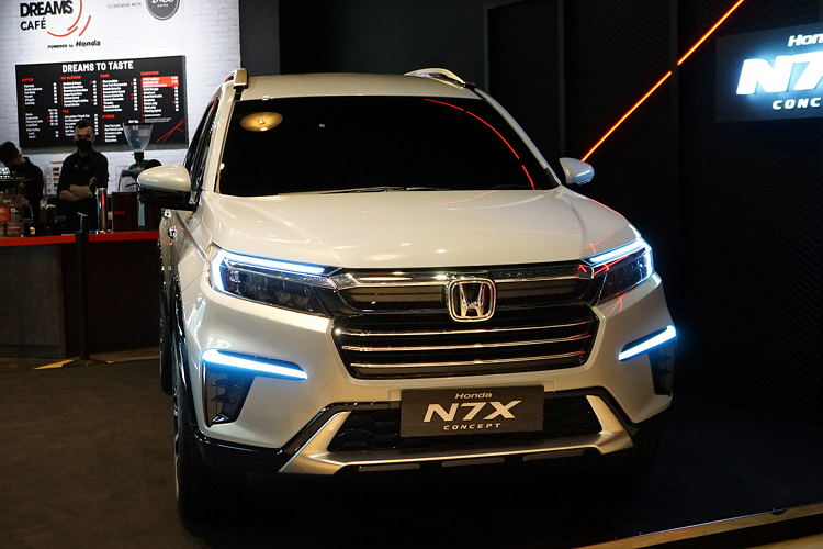 Honda BR-V 7 for people coming to Vietnam