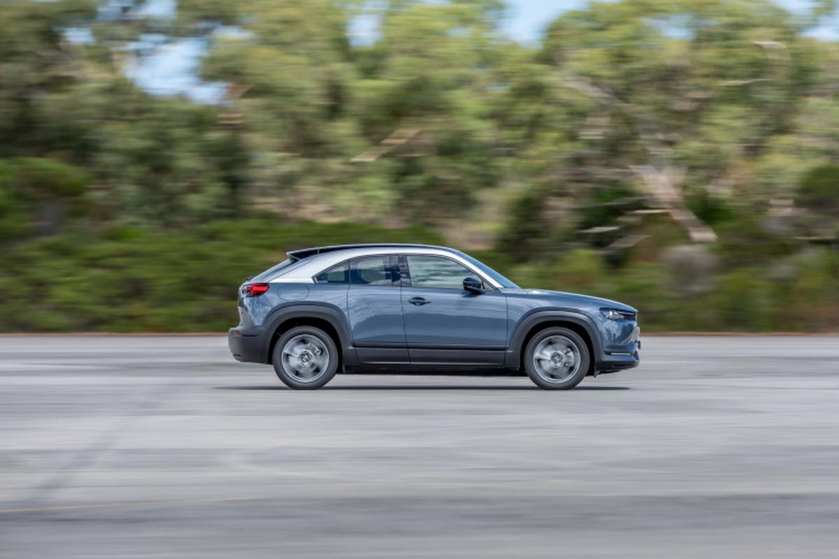 Mazda MX-30 chay dien ban ra tu 1,16 ty dong tai Uc-Hinh-2