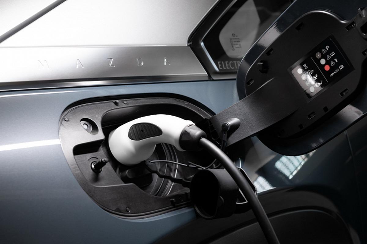 Mazda MX-30 chay dien ban ra tu 1,16 ty dong tai Uc-Hinh-4